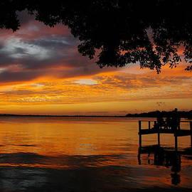 Farewell Sunset by Tannis  Baldwin