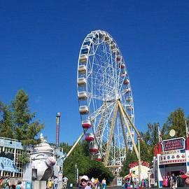 Kelly Awad - Ferris Wheel