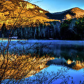 Optical Playground By MP Ray - First Light at Pinnacle Lake