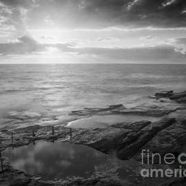 Colin and Linda McKie - First Light Cuzco Pool Sydney