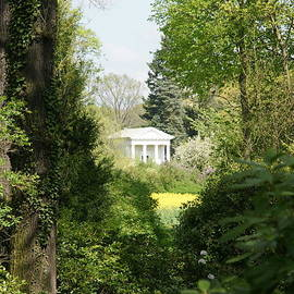 Flora Temple by Olaf Christian