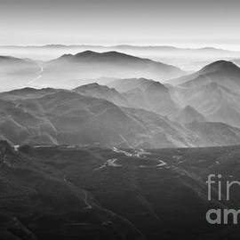 Nadya Ost - Foggy Mountains