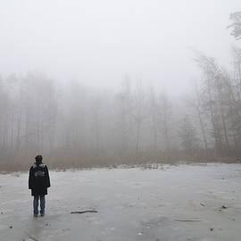 Matthias Hauser - Frozen pond in winter