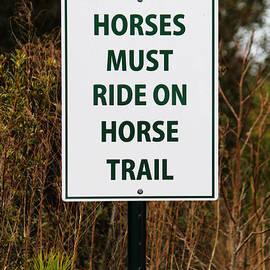 Cynthia Guinn - Funny Sign For Horses