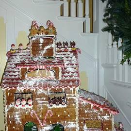 Gasparilla Gingerbread by Barbie Corbett-Newmin