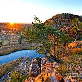 Bill  Robinson - Gelen Helen Gorge Sunrise