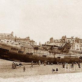 The Keasbury-Gordon Photograph Archive - German submarine on Hastings beach England on 15th April 1919
