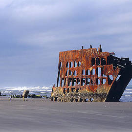 Ghost of The Peter Iredale by Phil Jensen