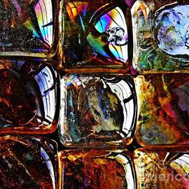 Sarah Loft - Glass Abstract 12