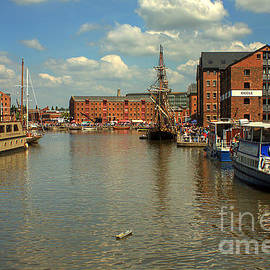 Gloucester Historic Docks by Jeremy Hayden