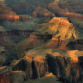 Stephen  Vecchiotti - Grand Canyon at Sunset