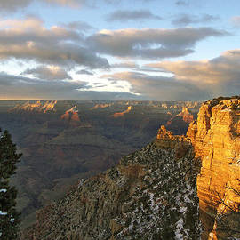 Ben and Raisa Gertsberg - Grand Canyon. Winter Sunset