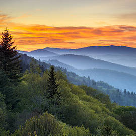 Dave Allen - Great Smoky Mountains National Park - Morning Haze at Oconaluftee