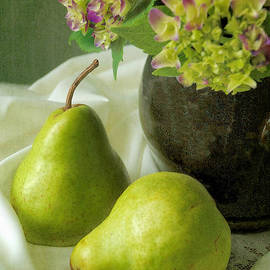 Green Pear and Hydrangea by Dianne Sherrill