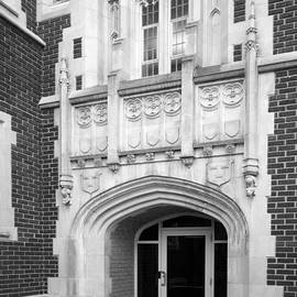 University Icons - Grinnel College Collegiate Entryway