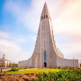 Hallgrimskirkja church by Alexey Stiop