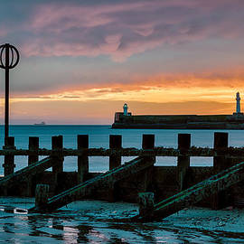 Harbour Sunrise by Dave Bowman