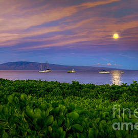 Hawaii Super Moon Sunrise by Kelly Wade