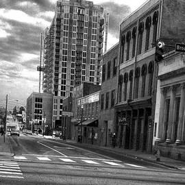 Lesa Fine - BW Street Photography Nashville Tn