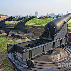 Heavy Cannon At Fort Mchenry In Baltimore Maryland by William Kuta