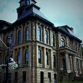 Holmes County Ohio Courthouse by R A W M