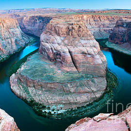 Suntaree Pham - Horse Shoe Bend Arizona