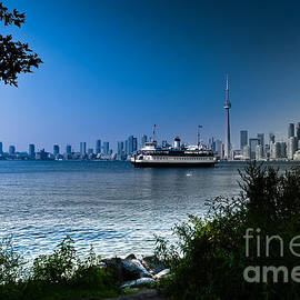 Toronto City Lakeview by Elaine Manley