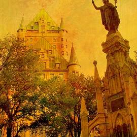 Hotel Chateau Frontenac and  Statue by Rick Todaro