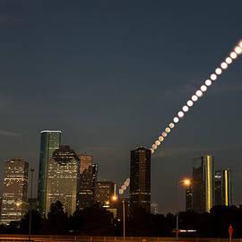 Houston moonrise by Sergio Garcia Rill