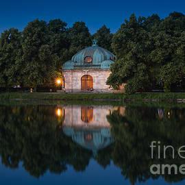 Hubertusbrunnen by John Wadleigh