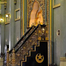 Imran Ahmed - Imam golden pulpit Sultan mosque Singapore