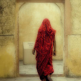 Neville Bulsara - India The Woman in Red Jaipur Rajasthan