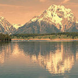 Sandra Bronstein - Jackson Lake Sunrise - Grand Teton