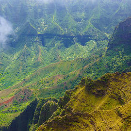 Kalalau Upper Valley by Kevin Smith