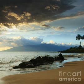 Kanoelani Heavenly Mist by Sharon Mau