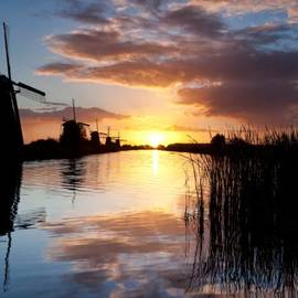 Dave Bowman - Kinderdijk Sunrise