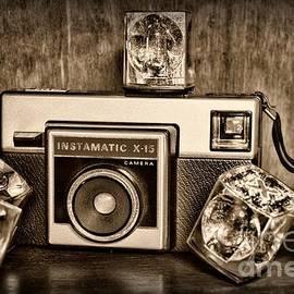 Kodak Instamatic X15 in black and white by Paul Ward