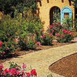 Priscilla Burgers - La Posada Gardens in Winslow Arizona