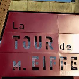 La TOUR de M. EIFFEL by Ann Horn