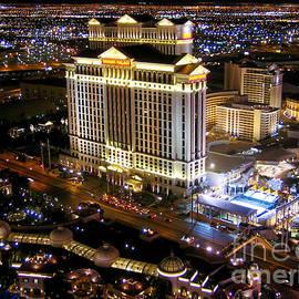 Las Vegas Nightscape by Pete Edmunds