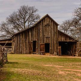 Lbj Ranch Large Barn by John Johnson
