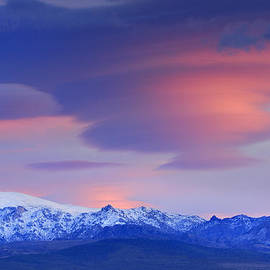 lenticular clouds over Sierra Nevada National Park by Guido Montanes Castillo