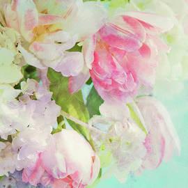 Theresa Tahara - Les Fleurs