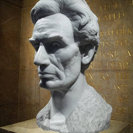 Lincoln Memorial Sculpt by Glenn McCarthy