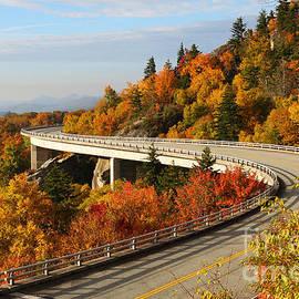 Michelle Tinger - Linn Cove Viaduct