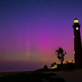 Little Sable Lighthouse by Dale Niesen