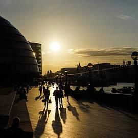 Georgia Mizuleva - London Silhouettes