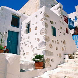 Aiolos Greek Collections - Lovely outer wall