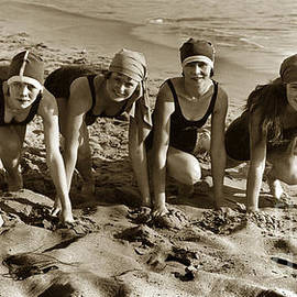 California Views Mr Pat Hathaway Archives - Mack Sennetts Bathing Beauties circa 1920