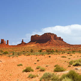 Christine Till - Magnificent Monument Valley